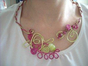 pensez à la fête des mères ... un joli collier... DSCN6082-300x225
