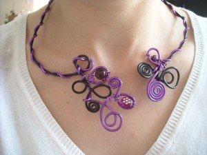 collier violet, rouge et noir DSCN6123-300x225