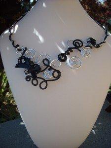 collier alu argent et noir dans colliers DSCN6431-225x300