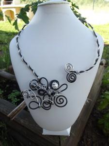 COLLIER ALU, bracelet perles de verre dans colliers dscf0321-225x300